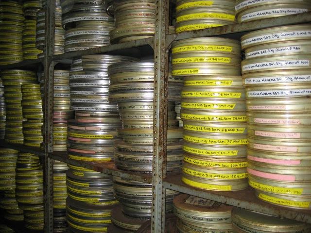 Film can neg storage
