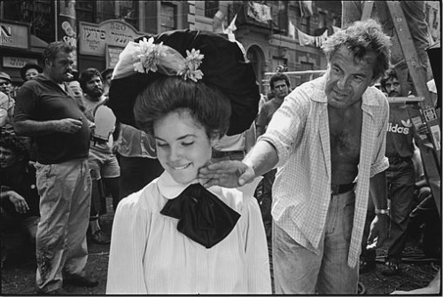 "Milos Forman (R) directing Elizabeth McGovern in ""Ragtime"""