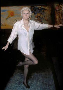 Elaine Stritch - no pants